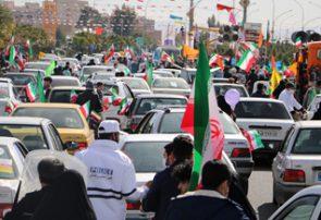 متفاوت ترین جشن ۴۲ سالگی انقلاب/ تمثال«حاج قاسم» بر دستان مردم