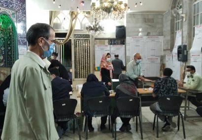 حضور منظم مردم و با رعایت اصول بهداشتی در شعب رای